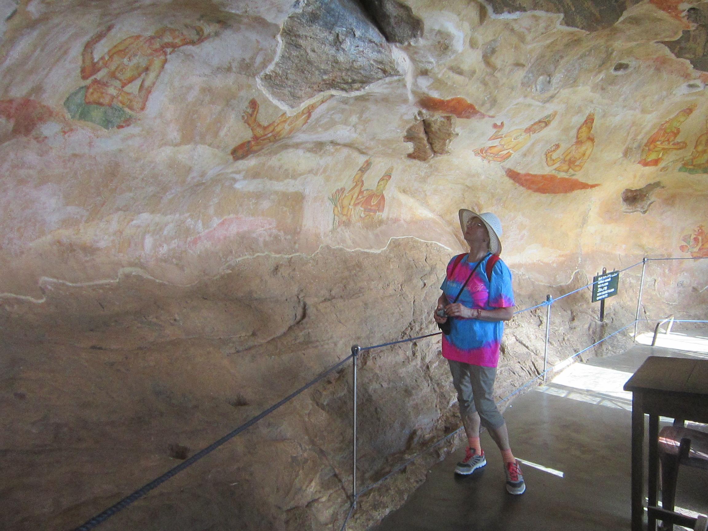 Сигирия - Львиная Гора. Фрески 5 века на скалах