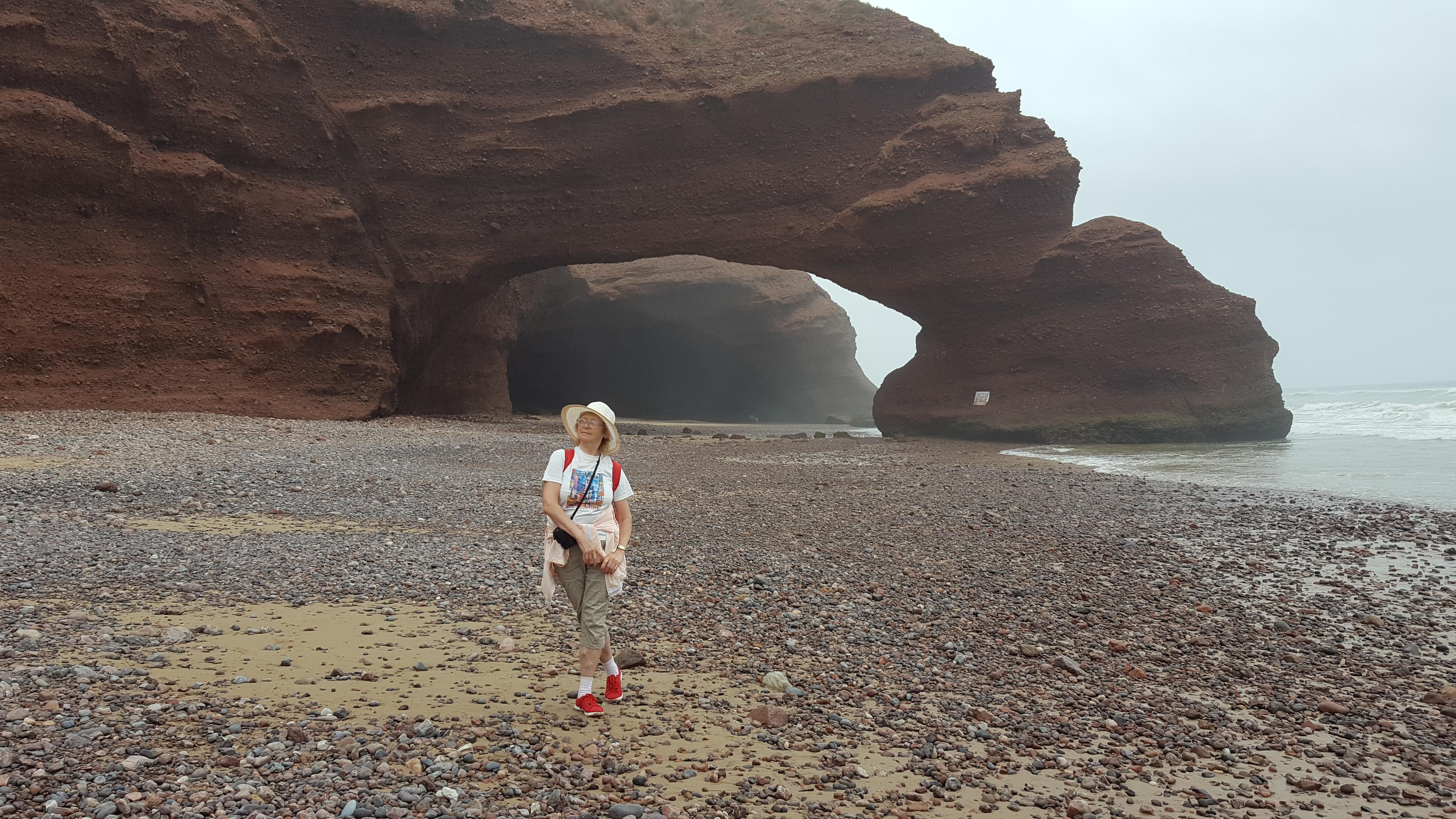 Легзира, Марокко. Скальные арки и пещеры на пляже