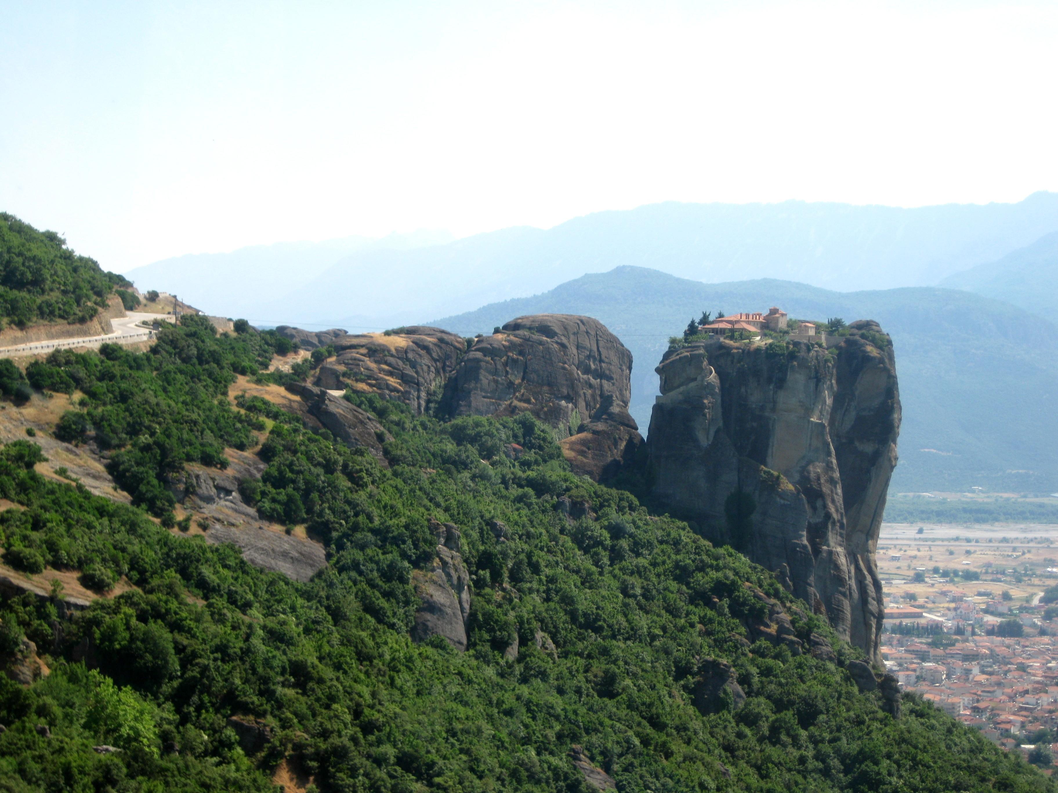 Монастыри являются объектами всемирного наследия