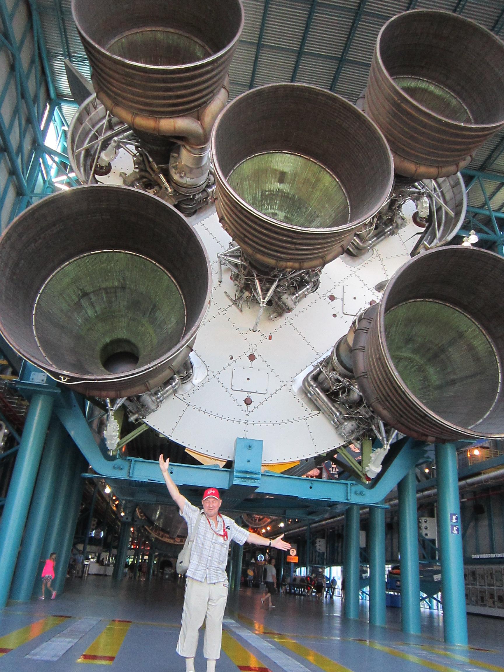 """Космическая ракета """"Аполлон"""" впечатляет размерами"""