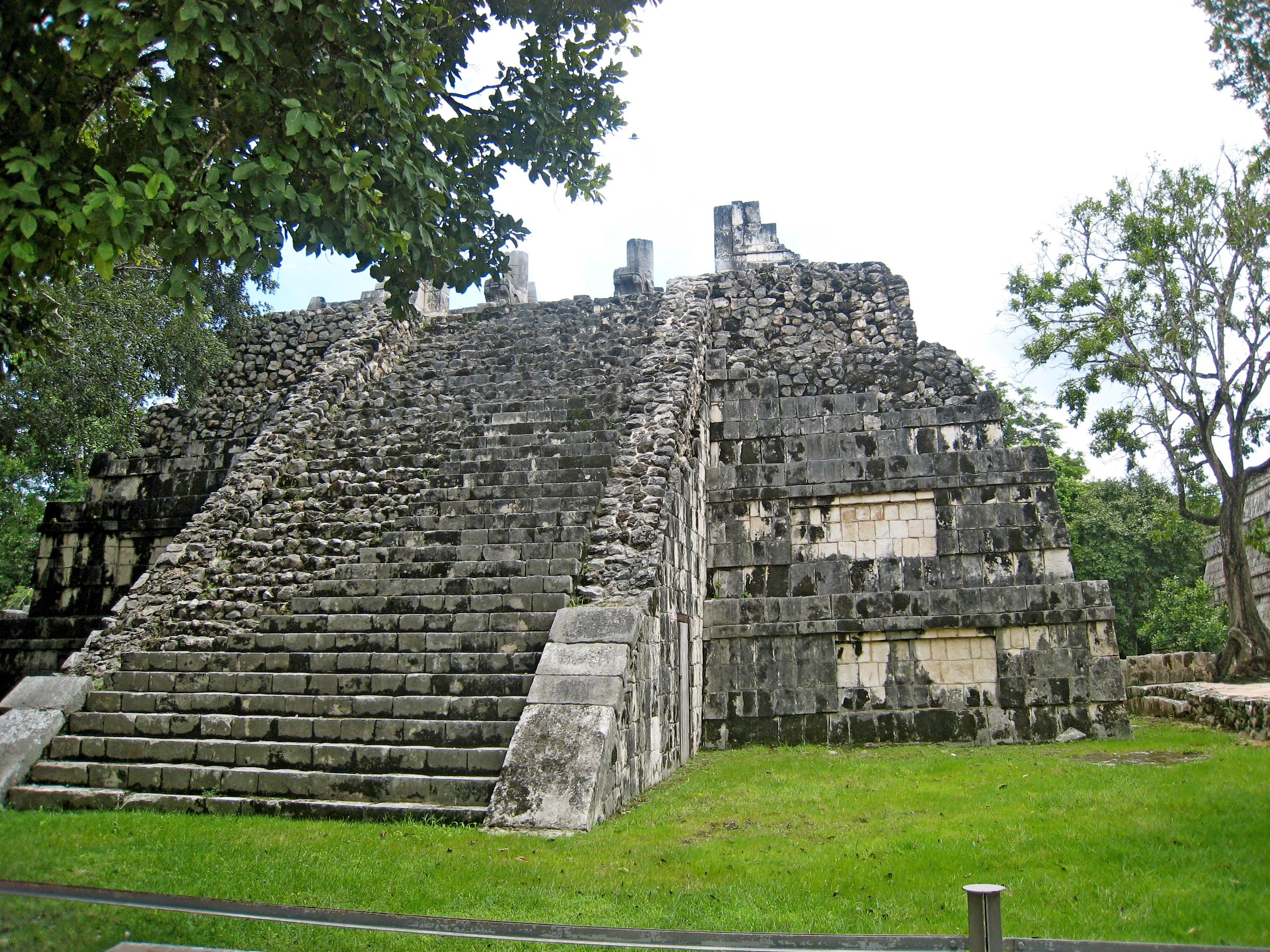 Пирамиды майя были построены в 3 – 9 веках н.э.